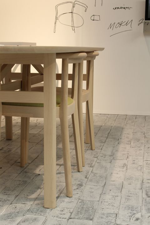 MOKU_CHAIR_TABLE__CECILIE_MANZ_actus