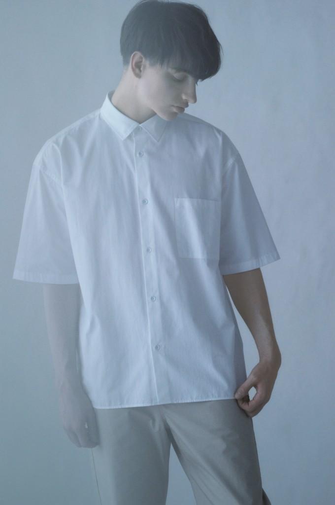 eaukシャツ-680x1024